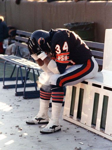 Walter Payton last game on bench.jpg