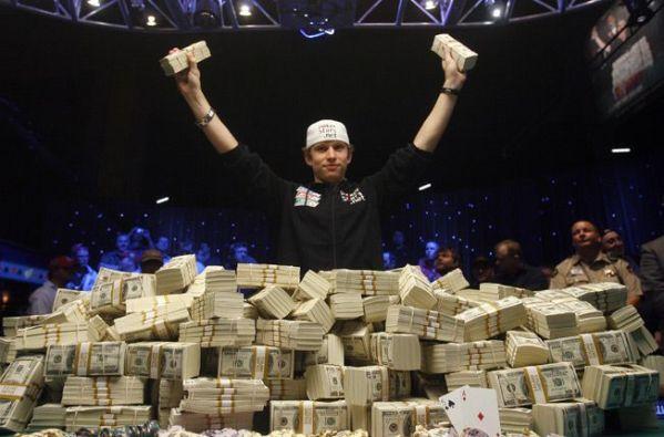 Gambler winning big cash