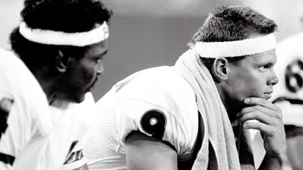 Jim McMahon and Walter Payton at Vikings 1985